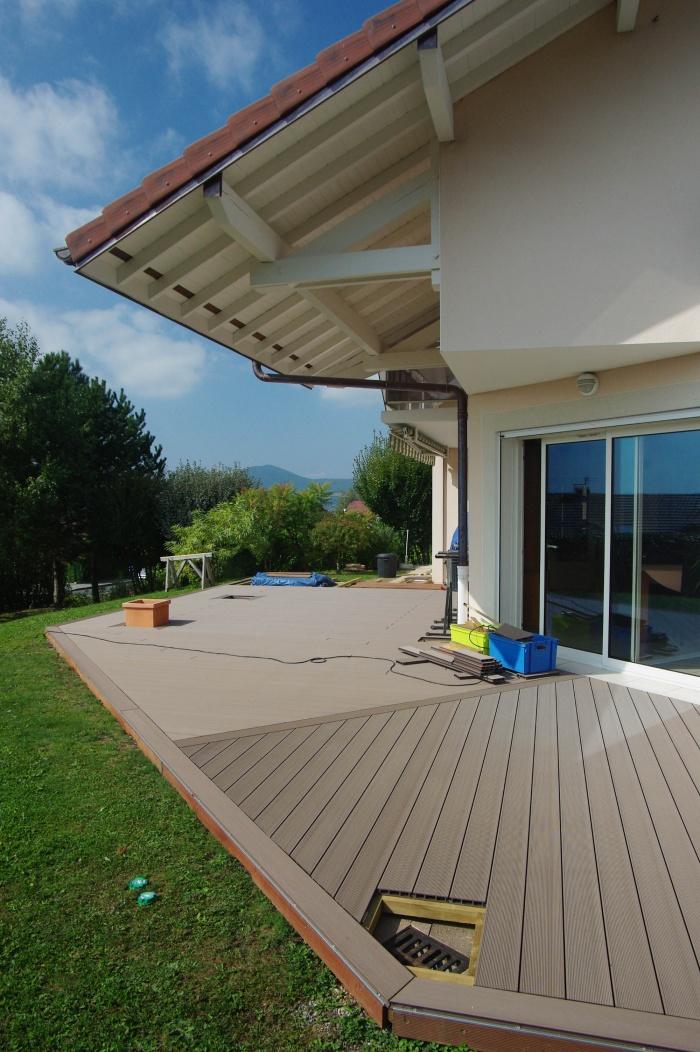 am nagement d 39 une terrasse en bois composite annecy le vieux une r alisation de alexis ballansat. Black Bedroom Furniture Sets. Home Design Ideas