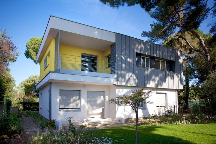 Cuisine Moderne En L :  maison bois, contemporaine, bioclimatique) sur Toulouse, Midi
