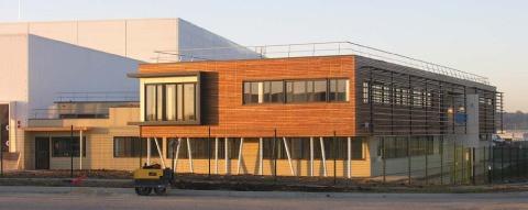 Construction d'une plateforme frigorifique et de ses bureaux.