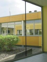 Réaménagement de bureaux et création d'une entrée indépendante.