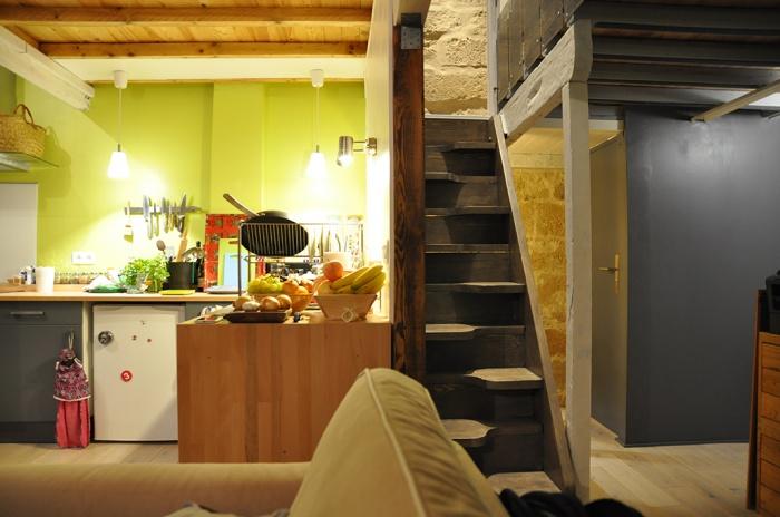 l 39 appartement sous les to ts montpellier une. Black Bedroom Furniture Sets. Home Design Ideas