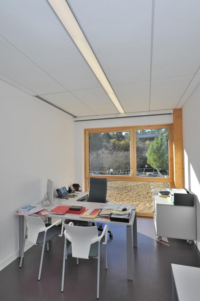 Bureaux ONU SIDA à l'IRD : vue intérieure d'un bureau